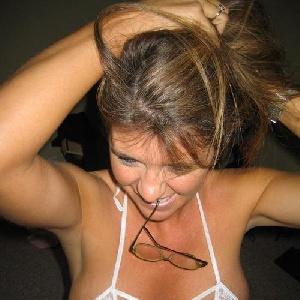 Sie sucht erotisches Abenteuer